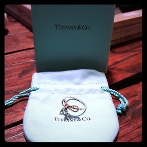 Auth Tiffany and Co Twisted Bow Ring